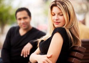 Cum sa atragi un barbat fara sa vorbesti – Cum linistea creeaza dragoste !